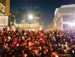 2월 11일 광화문 촛불집회, 시민들은 강력하게 탄핵을 원한다.