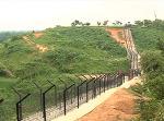 현대판 만리장성! 인도, 방글라데시 국경장벽 새롭게 만든다.