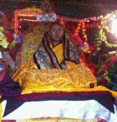 달라이 라마 건강 회복 기도회 개최한 티베트 불교 사원 고위승려 2명 구금