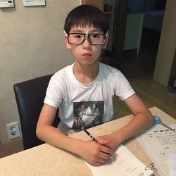 안경이 제법 잘 어울리는 연준이 (2016.07.19)