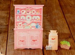핑크 장식장