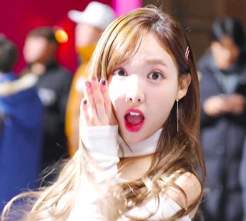 171208 Heart Shaker 뮤비 비하인드 트와이스 나연 미나 다현 채영 움짤