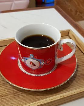 [카페 / 알랑가] 핸드드립커피 # 에티오피아 코케 # 프라하 커피잔 2018
