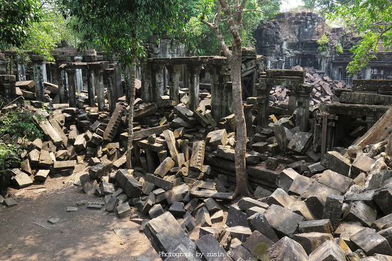 [캄보디아 여행] 무너진 돌무더기 사원 벵밀리아(Beng Mealea)