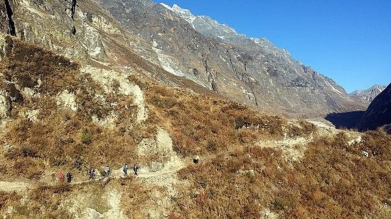 계곡을 따라 랑탕 마을의 품안으로 향하다(4)