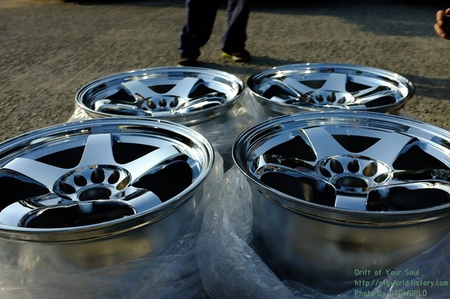 NISMO LM-GT4 OFFSET 9.5JJ 12 X 17 INCH CHROME