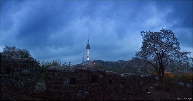 [파노라마] 성곽넘어 서울타워