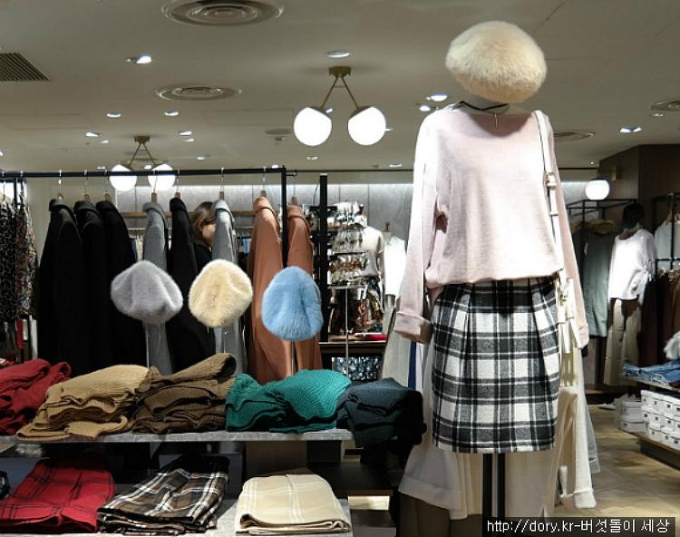 일본에서 살펴 본 유행모자 스타일링