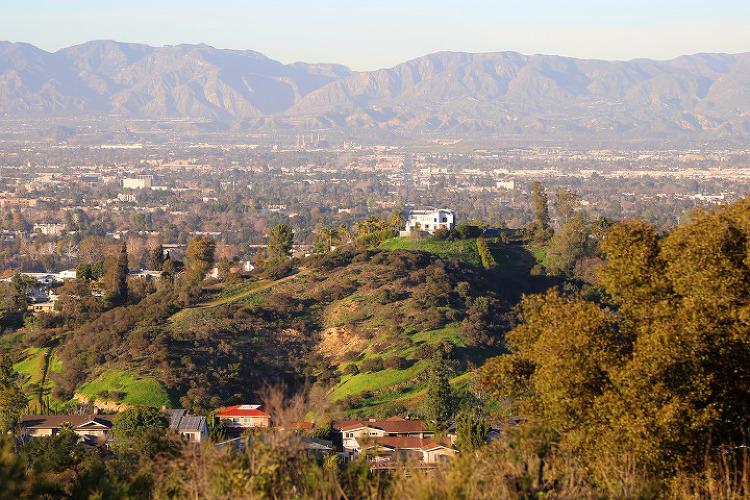 우리동네 스튜디오시티(Studio City) 앞산의 낸시후버홀 전망대와 프라이맨캐년(Fryman Canyon)
