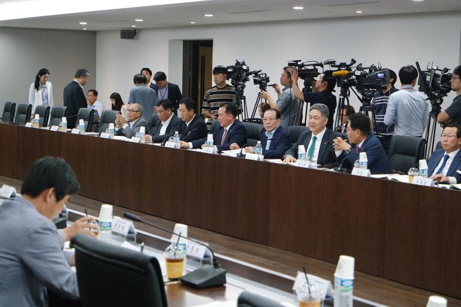 """""""전문 인재 양성으로 국가간 기술장벽을 뚫어달라"""""""