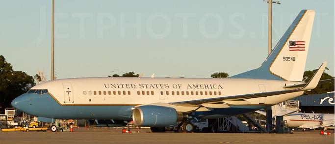 2012년 1월 12일 호주 공항착륙 미공군 09-0540 B737기[N736JS]
