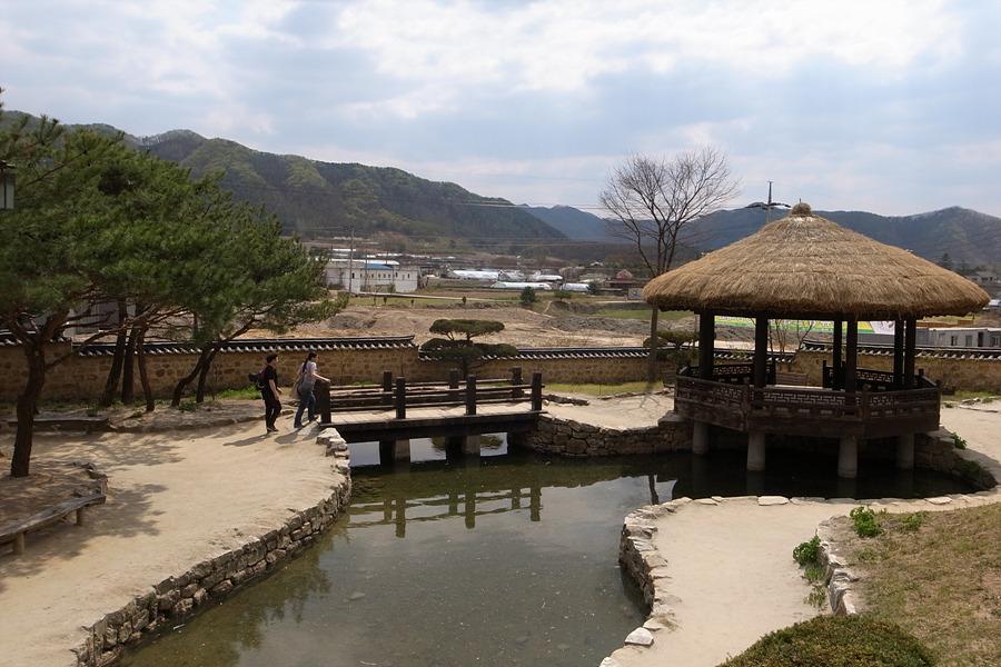 김유정 문학촌 - 경춘선 김유정역, 김유정문학촌 가는길
