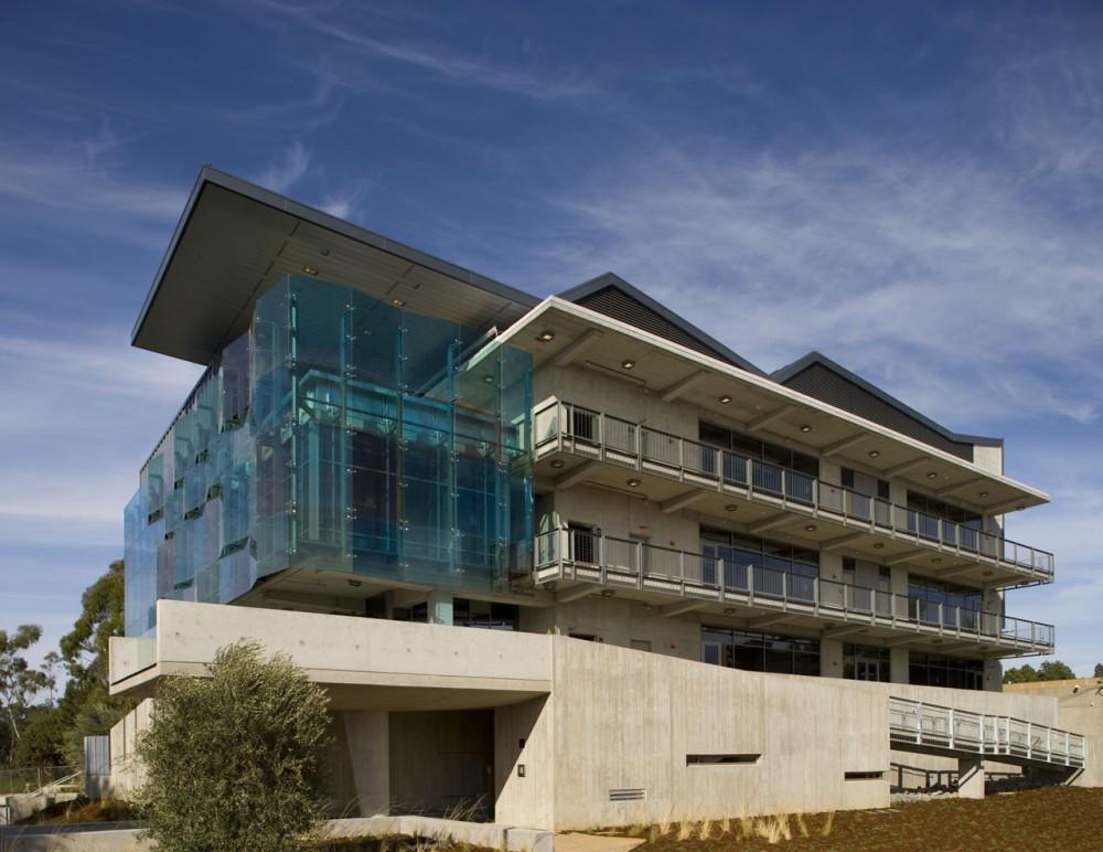 지속가능한 건축의 이중외피시스템 Studio E Architects Housing