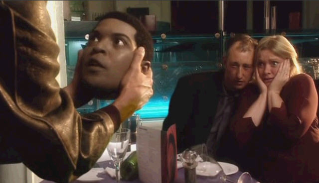 닥터 후 시즌1 1화 ( Doctor Who ) 복제된 미키             머리