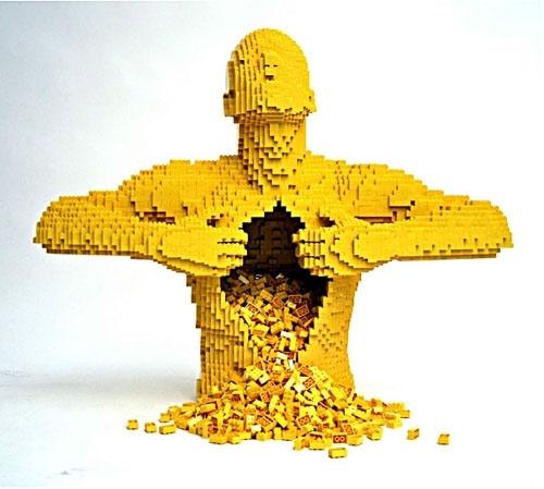 레고 아티스트로 유명한 미국 뉴욕 출신의 나단 사와야(Nathan Sawaya)가 레고로 만든 작품(사진 : www.brickartist.com)