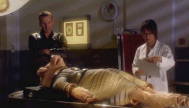 닥터후 시즌1 4화 조작된 외계 생명체의 정체