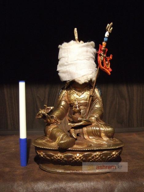 2012 인도여행에서 구해온 귀한 것들 1 -- 파드마삼바바(연화생) / 22cm 부분금도금 동상 불상