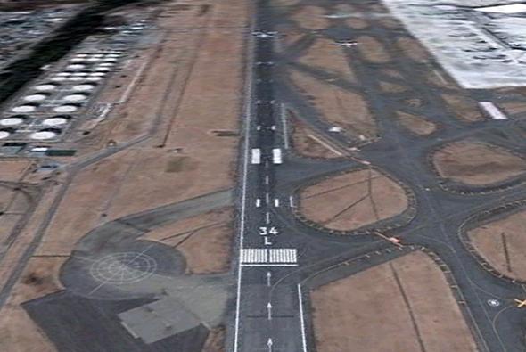 나리타 공항 활주로 34L (구글어스)