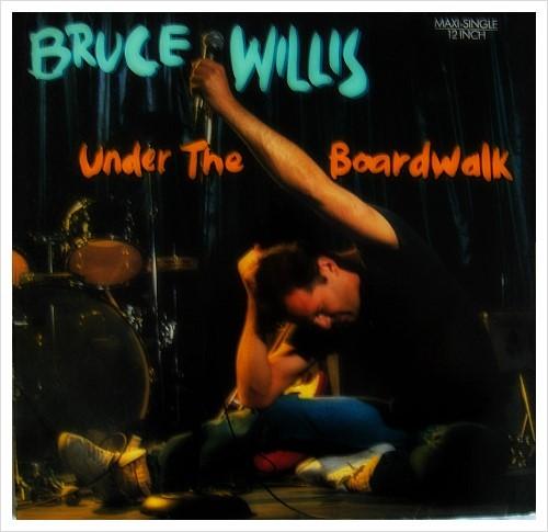 시간의 틈 사이로 우리는 영원같은 한 순간을 스치고 Under The Boardwalk The