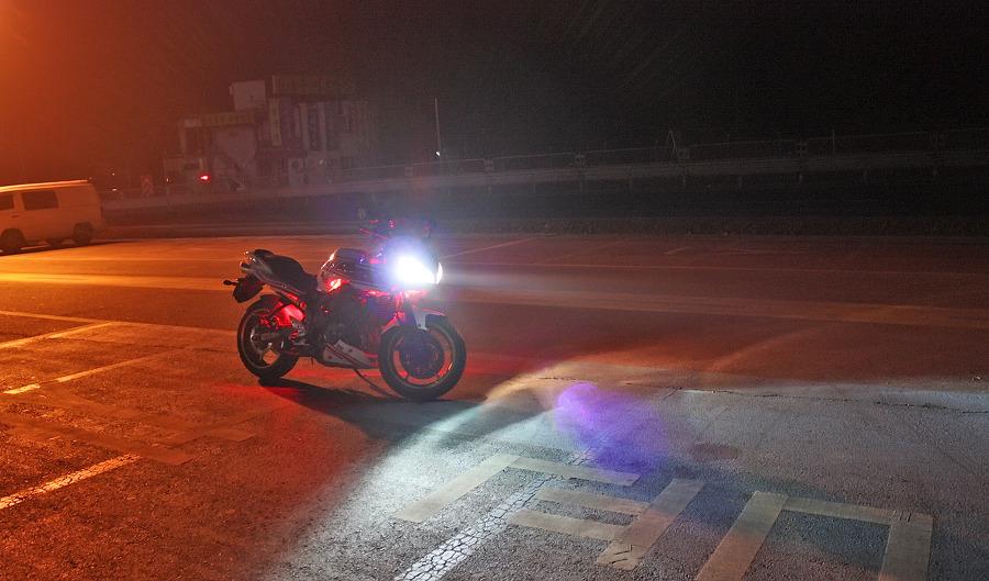 바이크로 달리자 - 야간 유명산 투어 : 200F6D3D4F66909F2D9443