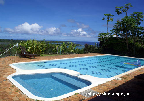 아름다운 풍경이 보이는 수영장