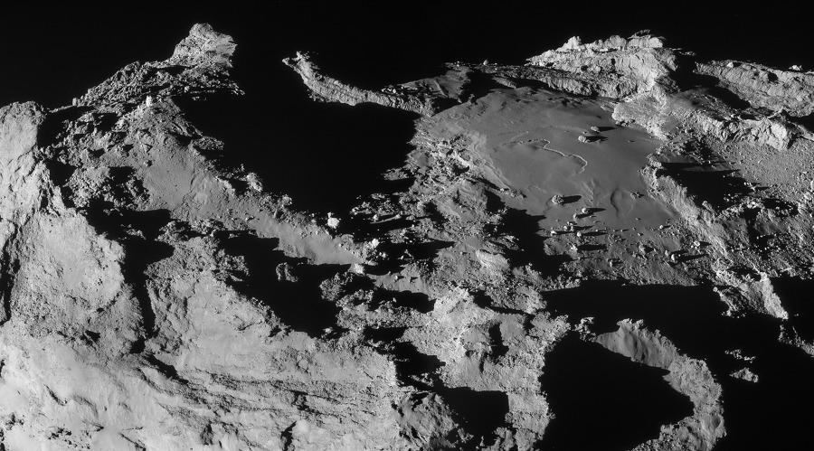67P 혜성의 초근접 사진