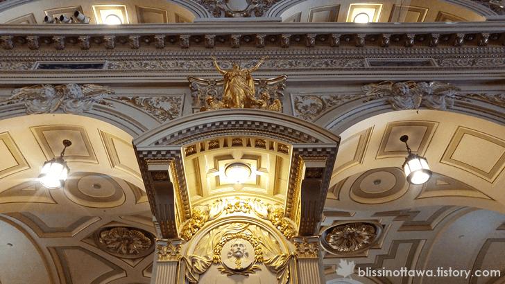 성당 화려한 천장
