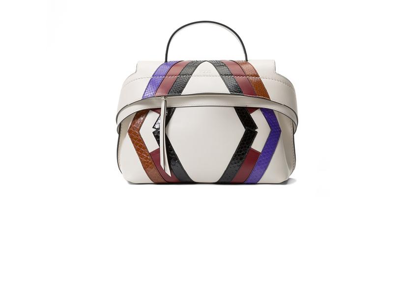 [FASHION] 가방으로 완성하는 여자의 패션