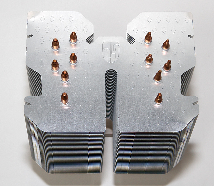 무소음, CPU 쿨러, LUCIFER K2 ,기가바이트 ,메인보드,IT,IT 제품리뷰,저는 개인적으로 조용한 컴퓨터를 좋아합니다. 노트북이든 데스크탑이든 조용해야하죠. 무소음 CPU 쿨러 LUCIFER K2를 소개합니다. 이 쿨러를 이용하면 무소음 컴퓨터를 만들 수 있습니다. 물론 튜닝에 있어서도 여러가지 내용이 있는데요. 성능을 높이는 튜닝이 있고 그로 인해서 높은 열을 해소하기 위한 튜닝이 있죠. 무소음 CPU 쿨러를 사용하는 것은 팬을 없애고 열을 해소할 수 있도록 튜닝을 합니다. 이번에 Z170X-Gaming GT 에 이 쿨러를 장착해봤습니다. 그런데 장착시 간섭이 있어서 좀 해결이 필요하더군요. 그 부분도 설명하죠.