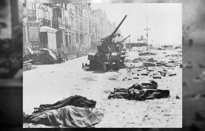 사진: 영화 덩케르크 철수 작전의 내용은 오직 생존이다. 무기도 다 버리고 갈 수 밖에 없었다. 덩케르크에는 연합군이 포기하고 간 무기들이 즐비하게 남아 있었다. [다이나모 작전, 덩케르크의 기적]
