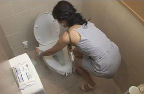 여자화장실에서, 여자화장실 하는 일,