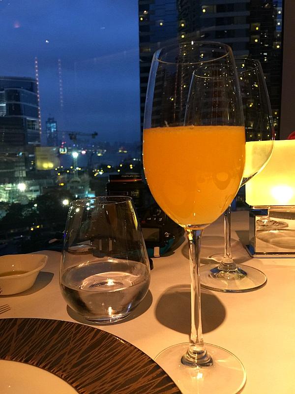 홍콩, 어드미럴티 콘래드 호텔의 이태리 식당 니콜리니스 (Nicholini