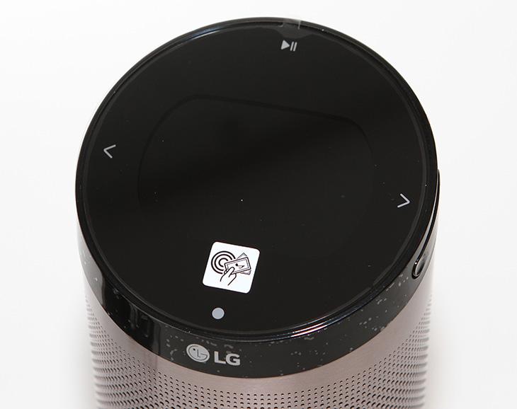 LG ,스마트씽큐센서 ,설치, 방법,IT,IT 제품리뷰,집에서 사용하는 가전제품을 원격으로 작동시키고 상태를 확인할 수 있습니다. 그것도 스마트폰으로요. LG 스마트씽큐센서 설치 방법을 통해서 이것을 어떻게 가능하게 하는지 알아볼텐데요. 직접 설치해보니 그렇게 어렵진 않네요. 스마트씽큐를 사용하면 가정에서 사용하는 냉장고나 세탁기, 로봇청소기 에어컨 등에 연결해서 작동을 제어하고 상태를 쉽게 파악할 수 있는데요. 기존에는 이동 통신사들이 IoT 상품을 판매하면서 매달 일정액을 내야 했던 것과 달리 스마트씽큐는 구입비 이외에 추가적인 지출이 없어 가정에서 두고두고 활용하기에 적합한 형태입니다.