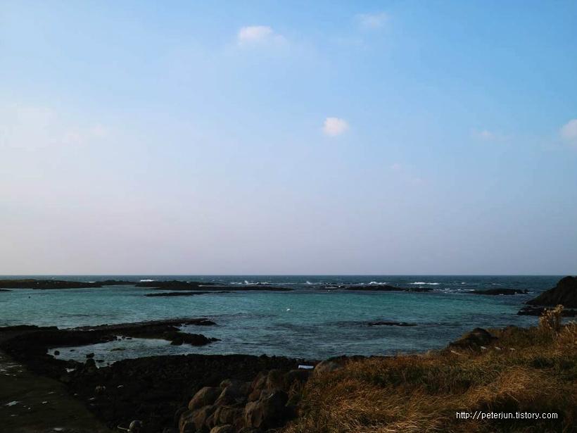 에메랄드빛 바다