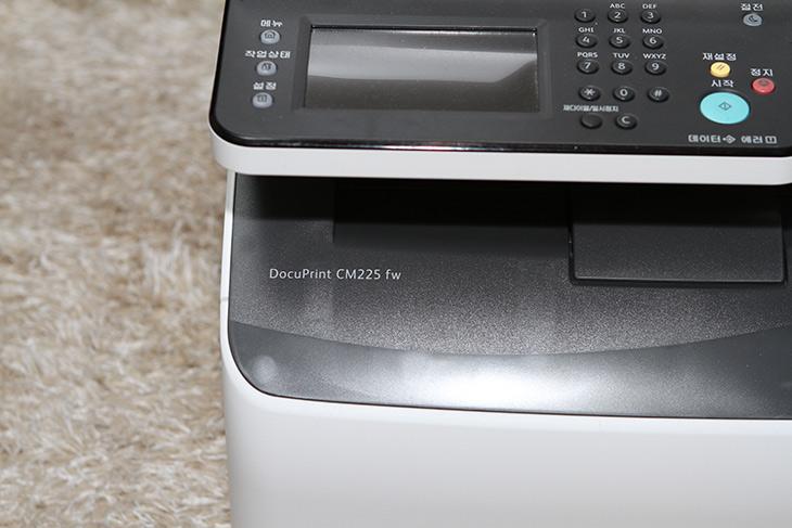 후지제록스 ,레이저 프린터, 가성비 좋은, DocuPrint CM225fw,IT,IT 제품리뷰,실제로 사용해보니 출력 결과물이 너무 좋았는데요. 유지비도 적게 듭니다. 후지제록스 레이저 프린터 가성비 좋은 DocuPrint CM225fw 소개 합니다. 이번 시간에는 제품 외형이랑 최초 설치하는 방법을 알아보려고 합니다. 후지제록스 레이저 프린터 DocuPrint CM225fw 출력 결과물도 물론 살펴볼겁니다. 영상을 통해서도 보여드릴께요. 레이저 복합기는 기능도 많고 결과물도 빠르게 나와서 가정용 보다는 기업용으로 쓰기에 더 좋습니다.