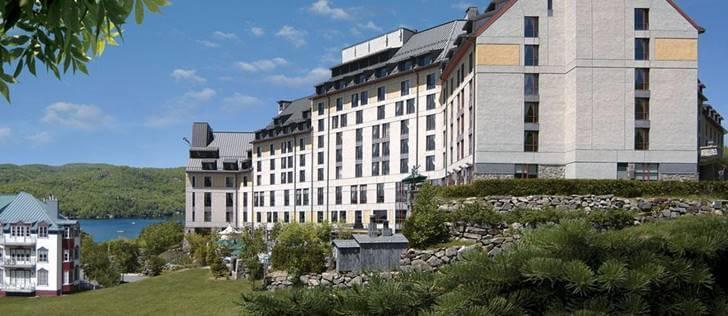 몽트랑블랑 페어몬트 호텔 외관입니다