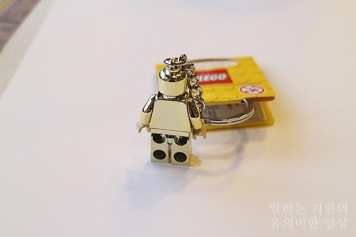 레고 골드미피 뒤 모습