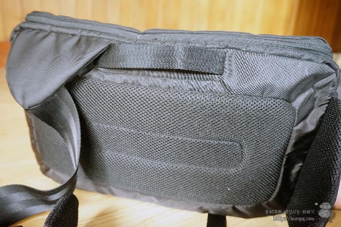 인케이스, 슬링백, CL58032, 카메라가방, 디자인