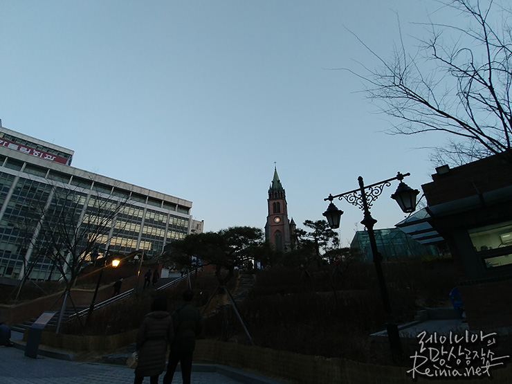 LG G6로 찍은 명동성당 앞