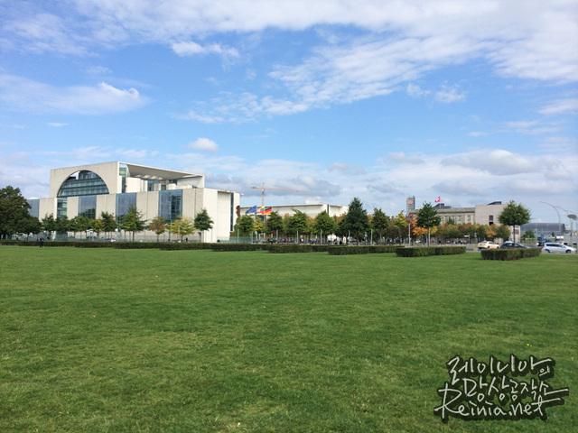 국회의사당 앞 잔디밭