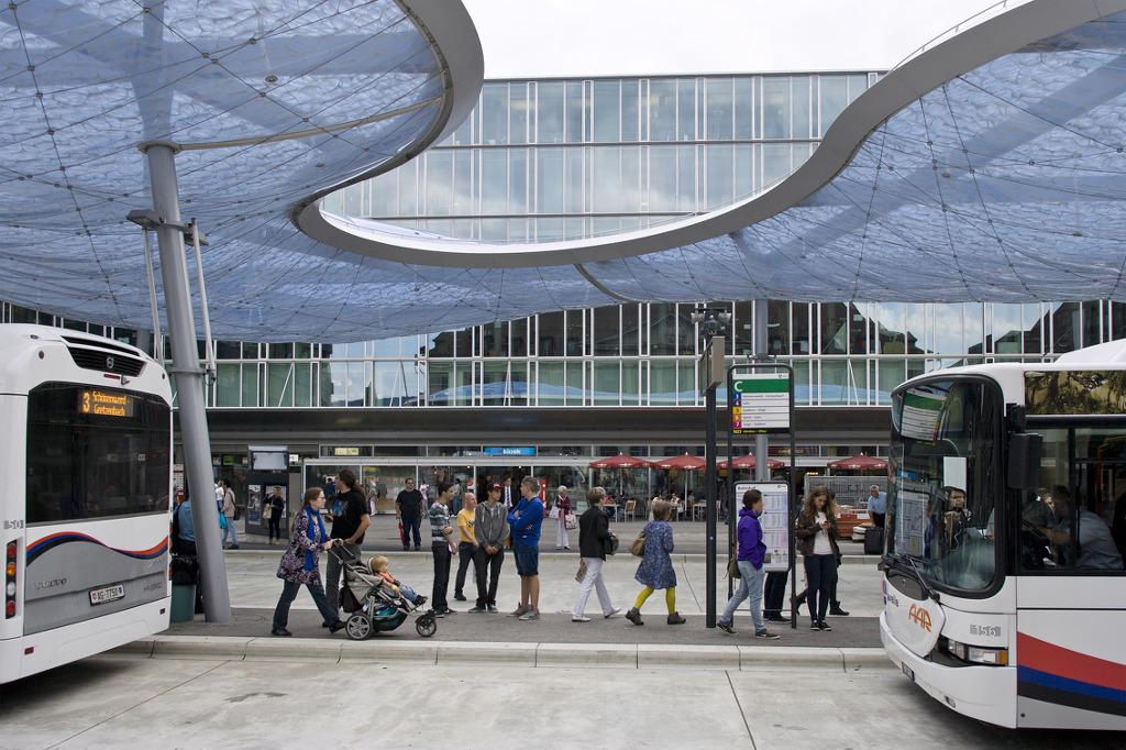 어반 캐노피 Vehovar Amp Jauslin Architektur Aarau Bus