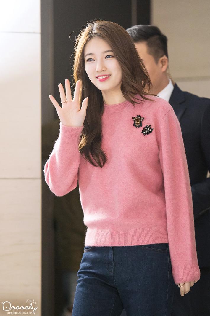 "[2015.11.22] ""Suzy's Pictorial"" 화보집 발매기념 수지 팬사인회"