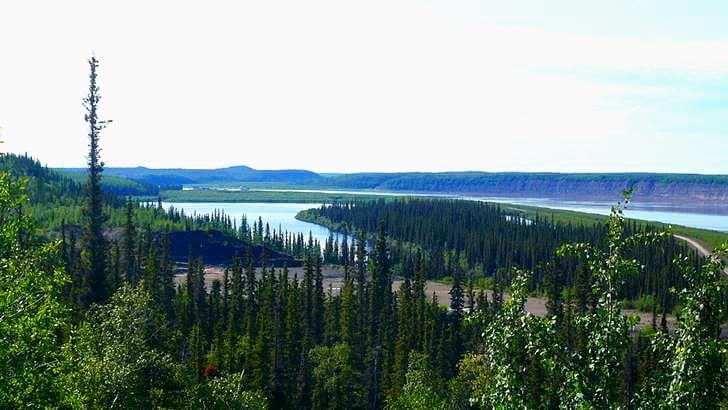 캐나다 매켄지 강입니다