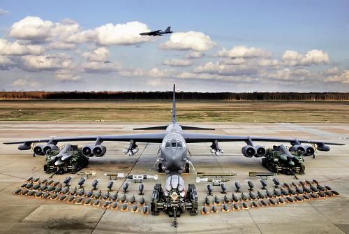 미국 본토가 순식 간에 날아갈 뻔 했던 'B-52 핵무장 사건'