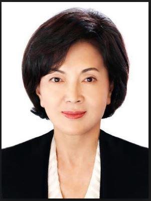 사기범들이 사용한 박만송삼화제분회장의 부인 정상례씨 위조여권에 바로 홍라희여사의 이 증명사진이 부착돼 있었다