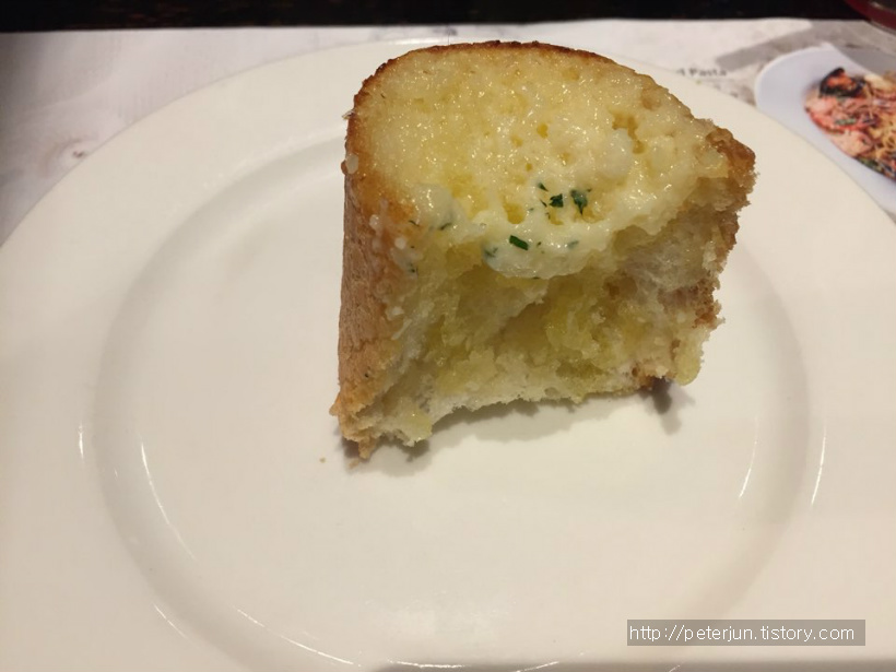 매드포갈릭 갈릭빵