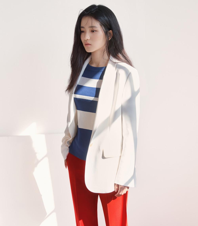 프론트로우-2018-SS-김태리